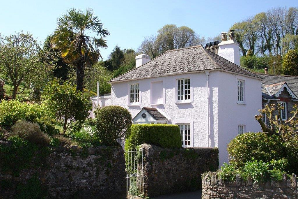 Detached Holiday Cottages in South Devon