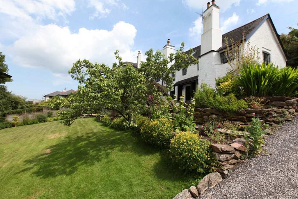 Holiday Cottages in South Devon with Garden