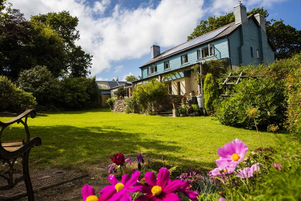 South Devon Holiday Cottages with Large Gardens