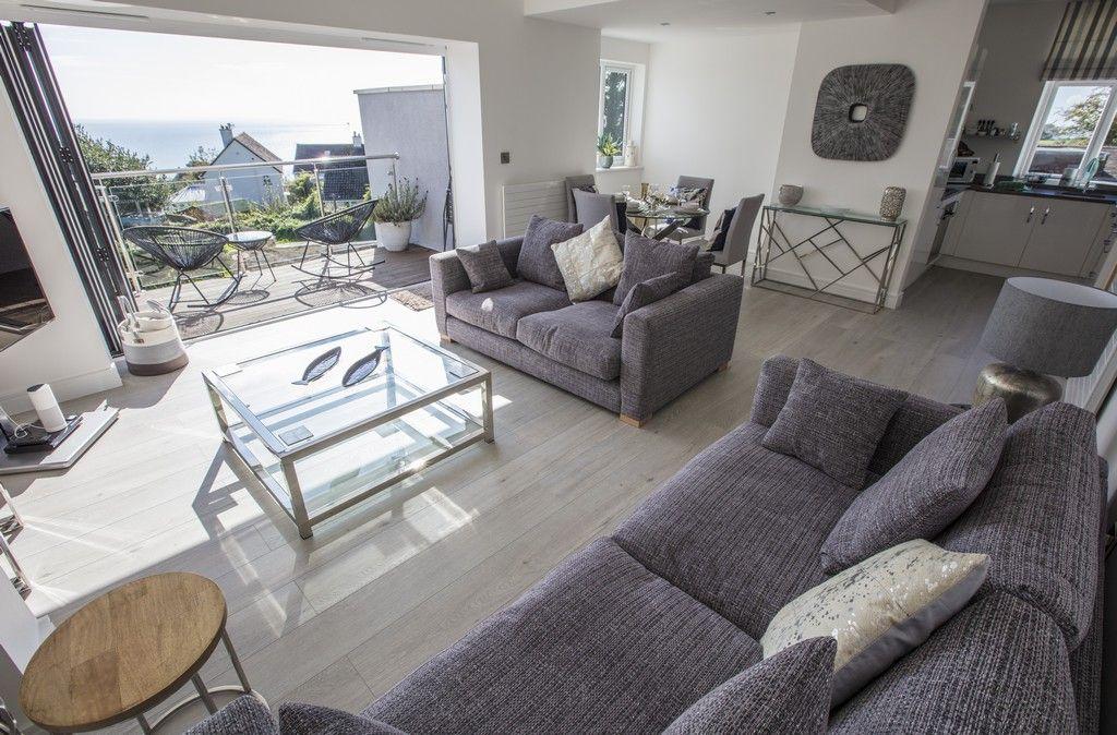 Windjammer living room
